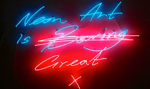 - blev nyforelsket i neon og andre vigtigheder